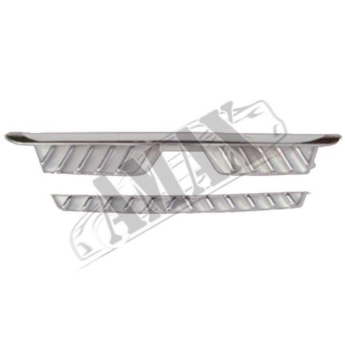 Накладка на решетку радиатора (хром)