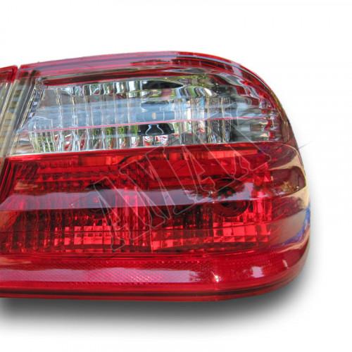 Задние фонари - лампочка - светлые на Мерседес В-210