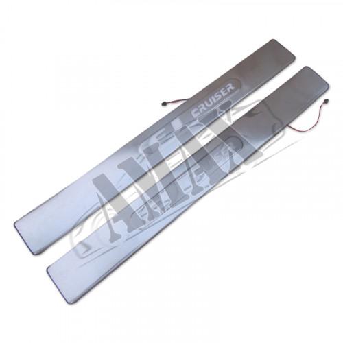 Накладки на пороги с неоновой подсветкой