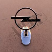 Эмблема на капот (Opel)